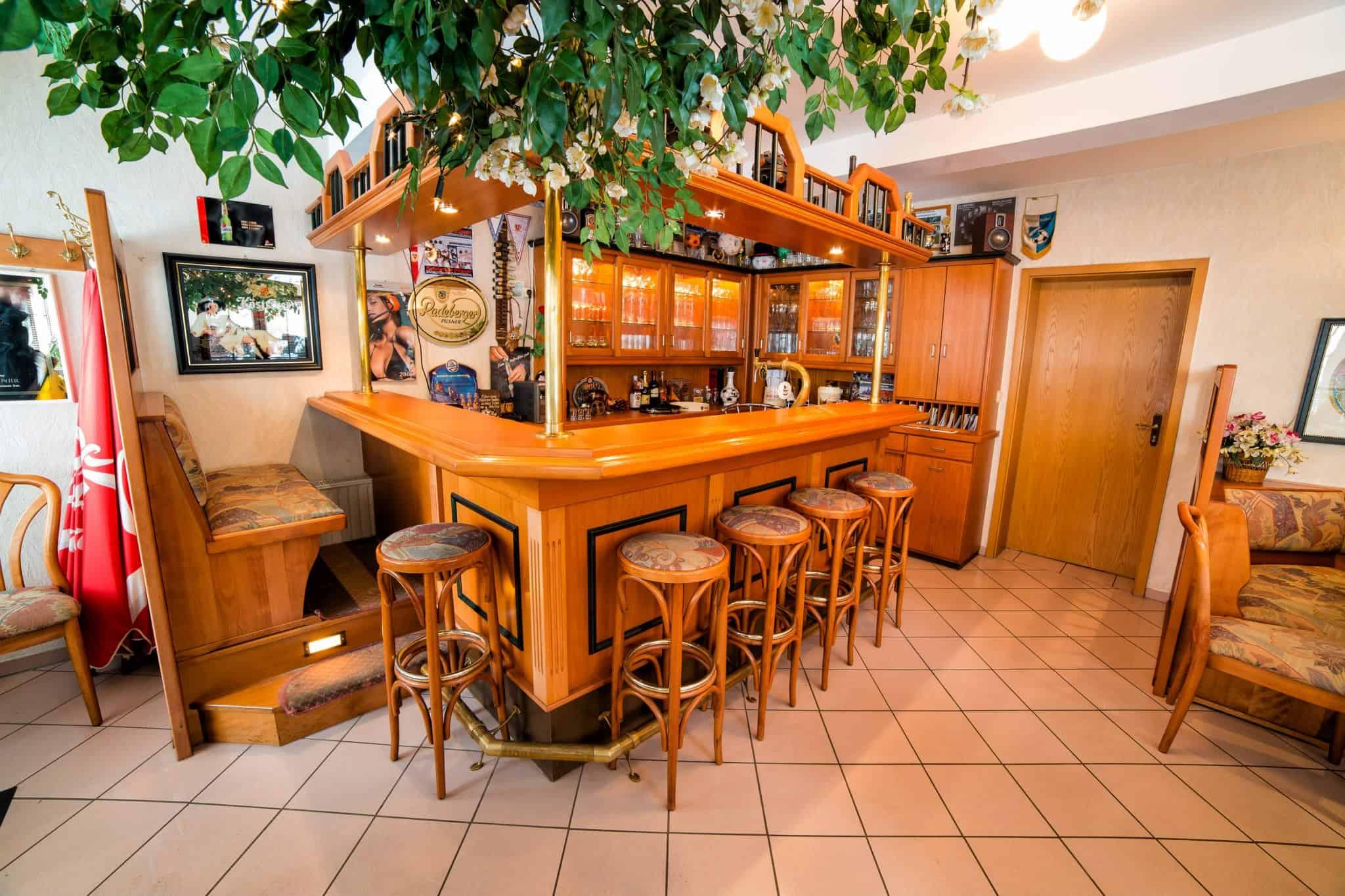 Design Hausbar. Cute Basement Bar. Rochelle. Design Hausbar. Bar ...